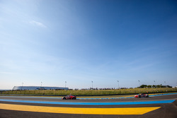 #61 AF Corse Ferrari 458 Italia: Luis Perez-Companc, Marco Cioci, Mirko Venturi, #60 AF Corse Ferrari 458 Italia: Peter Ashley Mann, Lorenzo Casé, Raffaele Giammaria
