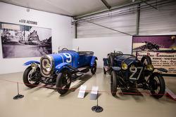 Chenard & Walcker U3 - 15 CV Torpedo Sport 1923 and Vinot Deguingand Torpedo Ponte - BP 10 HP 1923