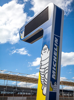 LEMANS: Michelin tower