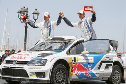 Podium: fourth place Andreas Mikkelsen and Ola Floene, Volkswagen Polo WRC, Volkswagen Motorsport
