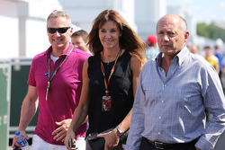 F1: Ron Dennis, McLaren Executive Chairman, with his girlfriend Carol Weatherall and Rory Bremner (GBR)