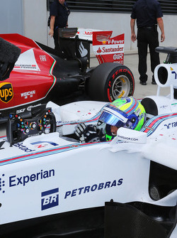 Felipe Massa, Williams FW36 celebrates his pole position in parc ferme