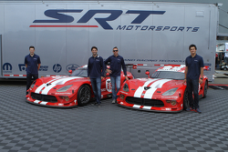 TUSC: Dominik Farnbacher, Marc Goossens, Jonathan Bomarito, Kuno Wittmer unveil the retro livery on the Viper