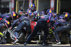 Daniel Ricciardo, Red Bull Racing during pitstop