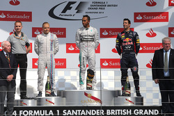 Valtteri Bottas, Williams F1 Team, Lewis Hamilton, Mercedes AMG F1 Team and Daniel Ricciardo, Red Bull Racing