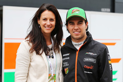 (L to R): Hannah White, Broadcaster, Sailor and Adventurer with Sergio Perez, Sahara Force India F1