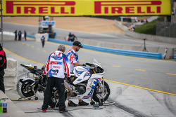Wild card entries prepare for WSBK 1st practice