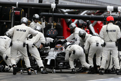 F1: Jenson Button, McLaren F1 Team during pitstop