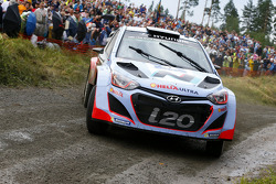 WRC: Thierry Neuville and Nicolas Gilsoul, Hyundai i20 WRC, Hyundai Motorsport