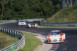 #12 Manthey Racing Porsche 911 GT3 R: Otto Klohs, Frederic Makowiecki