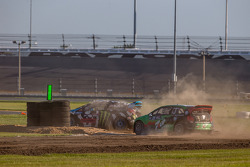 RALLYCROSS: #43 Hoonigan Racing Division Ford Fiesta ST: Ken Block, #77 Volkswagen Andretti Rallycross Volkswagen Polo: Scott Speed