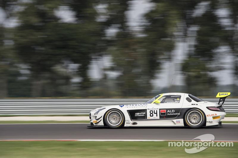 #84 HTP Motorsport Mercedes SLS AMG GT3: Maximilian Götz, Nico Verdonck