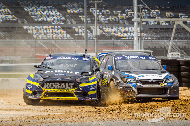 #18 Olsbergs MSE Ford Fiesta ST: Patrik Sandell and #11 Subaru Rally Team USA Subaru WRX STi: Sverre Isachsen touch