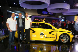 Rob Huff and James Thompson with the new LADA WTCC car