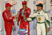 Scott Dixon, Chip Ganassi Racing Chevrolet and Tony Kanaan, Chip Ganassi Racing Chevrolet and Ed Carpenter, Ed Carpenter Racing Chevrolet