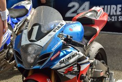 Race winner #1 Suzuki: Vincent Philippe, Anthony Delhalle, Erwan Nigon detail