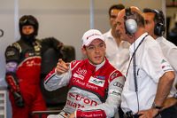Andre Lotterer talking to Dr. Wolfgang Ullrich
