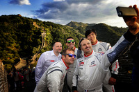 The Citroën drivers with Yves Matton at the Great Wall of China