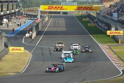 Start: #1 Oak Racing Morgan Judd: David Cheng, Ho-Pin Tung leads