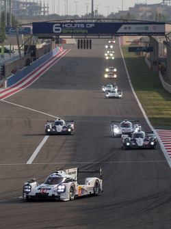 #14 Porsche Team Porsche 919 Hybrid: Romain Dumas, Neel Jani, Marc Lieb leads after the first lap