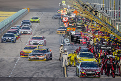 Pit stop for Jeff Gordon, Hendrick Motorsports Chevrolet and others