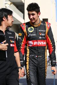 Esteban Ocon, Lotus F1 Team Test Driver, with Ayao Komatsu, Lotus F1 Team Race Engineer