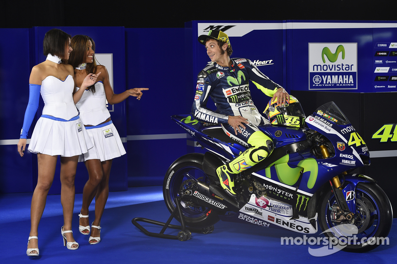 Valentino Rossi, Yamaha Factory Racing with lovely Yamaha girls at Yamaha YZR-M1 launch