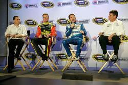 Clint Bowyer, Brian Vickers, Michael Waltrip, Michael Waltrip Racing