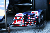 Scuderia Toro Rosso STR10 front wing detail