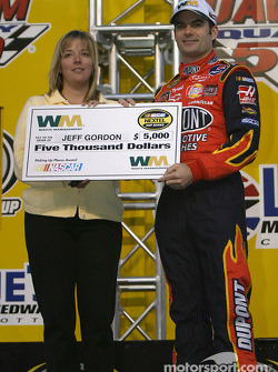 Drivers presentation: Jeff Gordon receives a check
