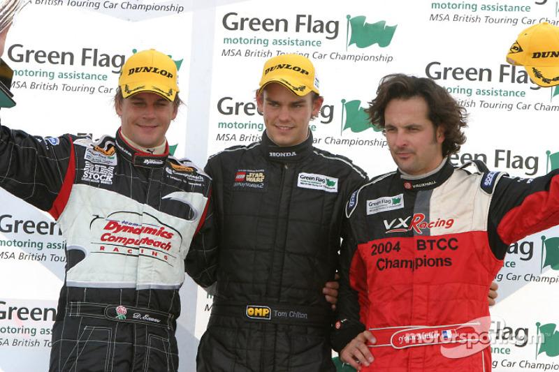 Podium: race winner Tom Chilton with Yvan Muller and Dan Eaves