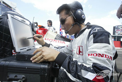 Honda engineer on the starting grid