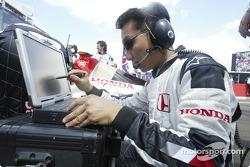 Honda engineer on the starting grid