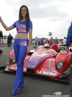 A spectacular grid girl