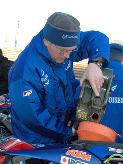 Cyril Despres' mechanic Roland Bruckner