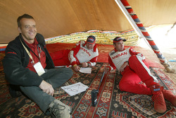 Giniel De Villiers and Jean-Marie Lurquin at the bivouac