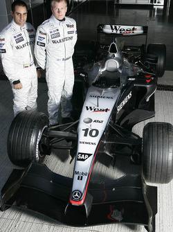 Kimi Raikkonen and Juan Pablo Montoya with the Mclaren MP4-19B