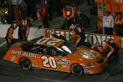 Pitstop at the end of the first segment: Tony Stewart