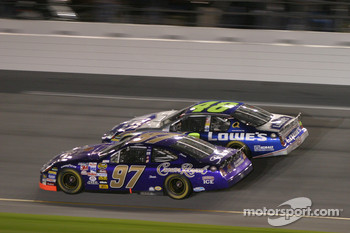 Kurt Busch battles with Jimmie Johnson