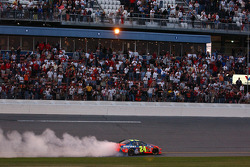 Victory burnout for Jeff Gordon