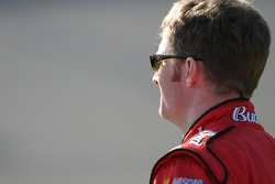 Dale Earnhardt Jr. watches qualifying