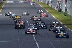 Start: Giancarlo Fisichella leads Jarno Trulli and Mark Webber