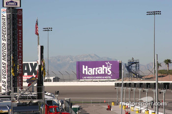 The spectacular scenery surrounding Las Vegas Motor Speedway