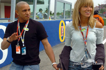 Roberto Carlos with his girlfriend