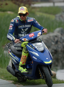 Valentino Rossi scoots around Shanghai
