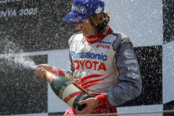 Podium: champagne Jarno Trulli