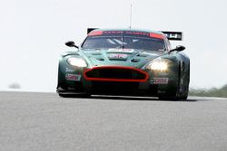 #29 Aston Martin Aston Martin DBR9: Pedro Lamy, Peter Kox