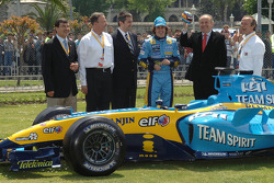 Fernando Alonso and the Mayor of Istanbul Kadir Topbas