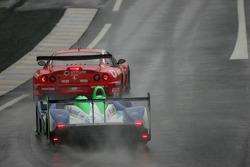 #17 Pescarolo Sport Pescarolo Judd: Sébastien Loeb;Éric Hélary;Soheil Ayari passes #51 BMS Scuderia Italia Ferrari 550 Maranello: Christian Pescatori;Fabrizio Gollin;Miguel Ramos