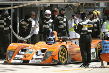 Pitstop for #10 Racing for Holland Dome Judd: Jan Lammers, Elton Julian, John Bosch